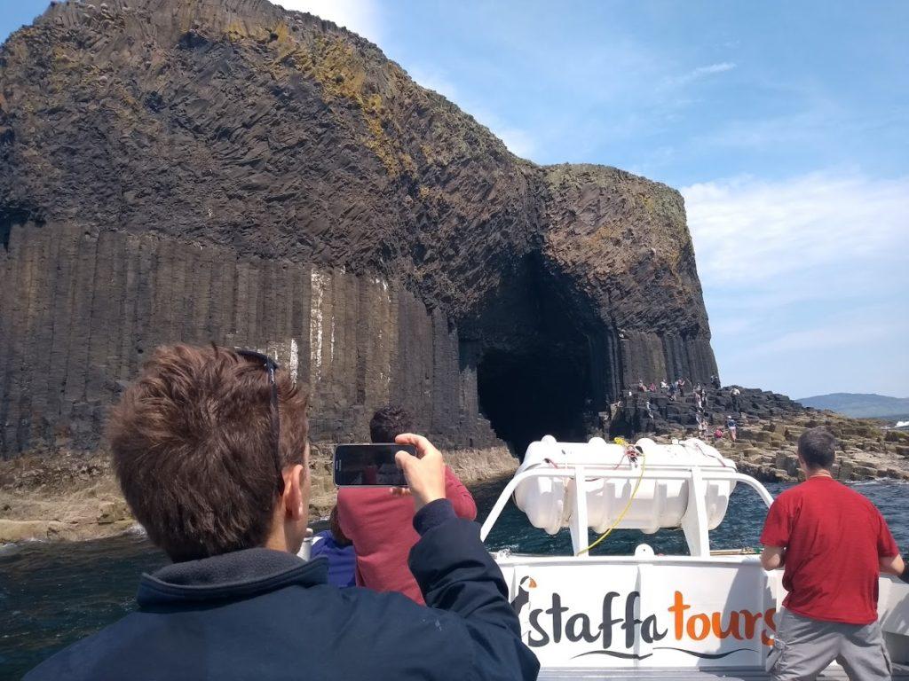 fingal's cave, staffa island, hexagonal colums